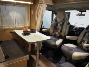 interior autocaravana en alquiler